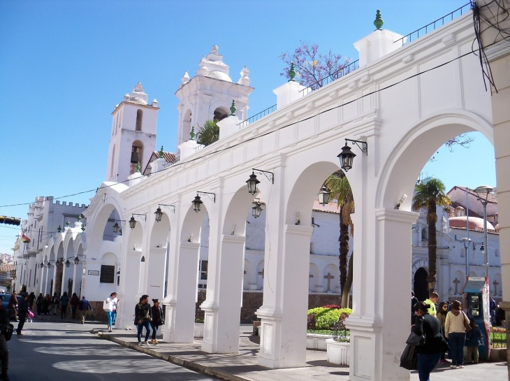 Igreja e Praça Santa Cruz