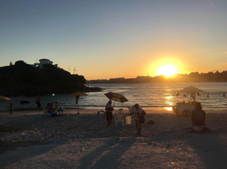 Praia do Forte ao pôr do sol